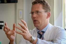 Professor Timmermann ist Direktor der Klinik für Neurologie und des Zentrums für Notfallmedizin. (Bild: UKGM)